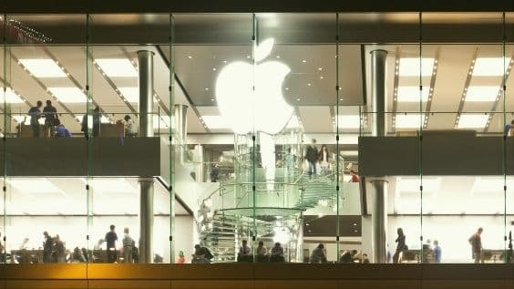 Apple Inc.(NASDAQ: AAPL) – Q1 Earnings Beat Expectations / Stronger than Expected Sales in China